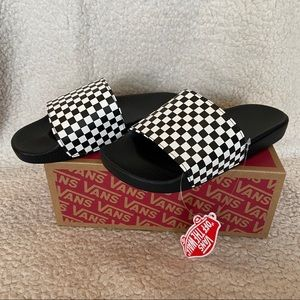 NWT Vans Checkerboard Slides, Youth 5